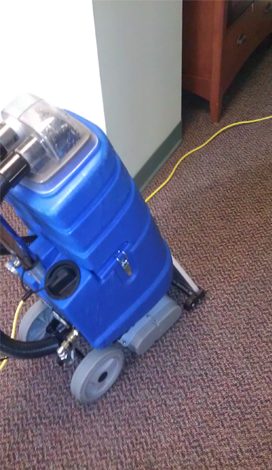 Vacuum to suck all the water from carpet